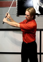 how left shoulder works in golf backswing