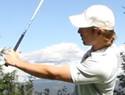 left thumb pain or soreness in golf swing