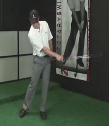 right arm release downswing
